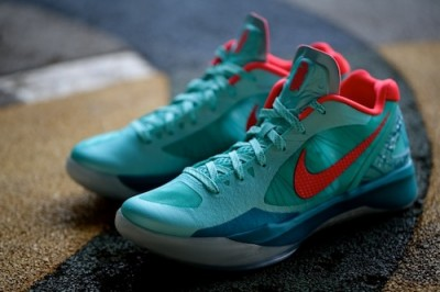 Freshly Dipped: Zoom Hyperdunk Jeremy Lin 'Son of the Dragon' PE