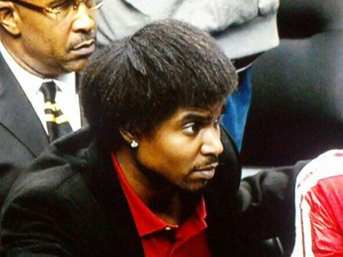 Andrew Bynum Could Miss Season