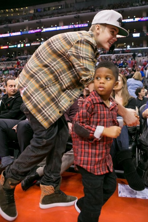 justin_bieber_chris_paul_jr-2