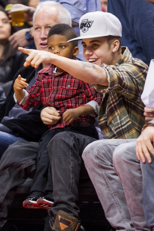 justin_bieber_chris_paul_jr-3