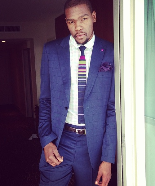kevin-durant-blue-suit