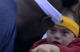 Zach Randolph Gives a Young Fan His Shirt