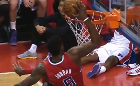 DeAndre Jordan Goes Way Up For the Alley-Oop