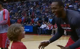 Dwight Howard Dominates a Young Fan 1-on-1