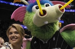 Orlando Magic Mascot STUFF Proposes to Kate Upton