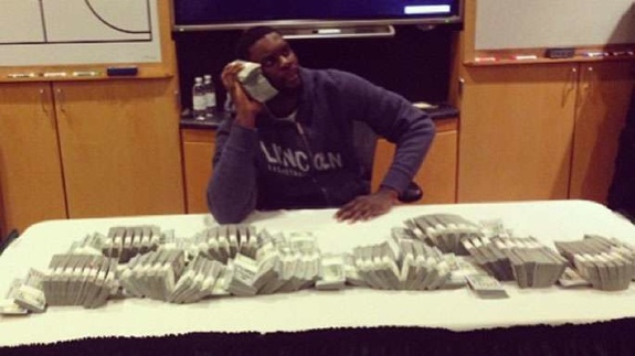 Lance Stephenson Hanging Out With $1 Million