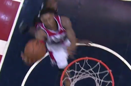 Andre Miller Throws a Perfect Touchdown Pass