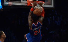 Iman Shumpert Smashes An Off the Glass Alley-oop