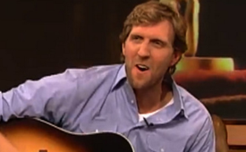 Dirk Nowitzki Sings a David Hasselhoff Song On German TV