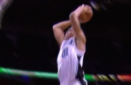 Aaron Gordon Crushes a Monster Slam
