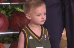 Gordon Hayward and Derrick Favors Surprise Young Fan on Ellen