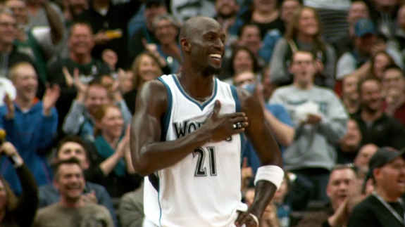 Kevin Garnett Plays His First Game Back In Minnesota