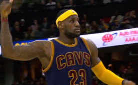 LeBron James Drops 42 on Visiting Warriors