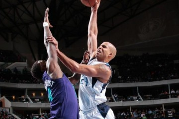 Richard Jefferson Went Up On a Sunday For a Dunk