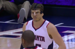 Kyle Korver Explodes For 11 Points In a Minute