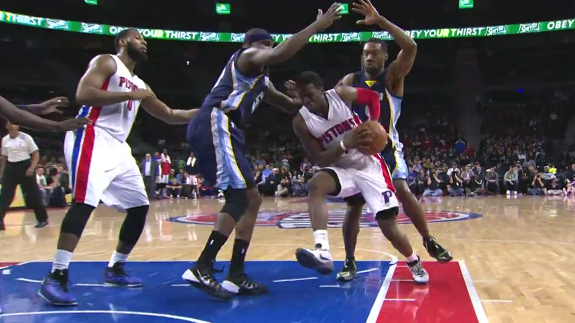 Reggie Jackson Hands Out a Career-High 20 Assists