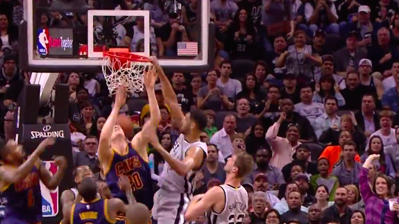 Tim Duncan Turns Back Time With a Putback Dunk