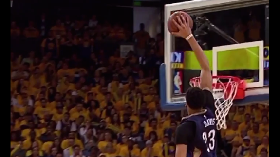 Anthony Davis Touched the Sky For An Alley-Oop