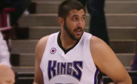 Sim Bhullar Checks Into His First NBA Game