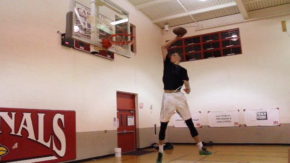 Zach LaVine Is An Awesome Football Dunker Too
