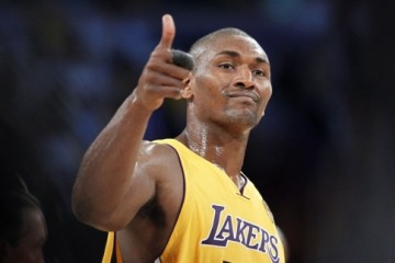 Lakers Sign Metta World Peace