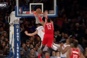 Dwight Howard Dunks All Over Kristaps Porzingis
