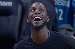 Boston Fans Shower Kevin Garnett with Cheers