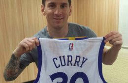 Stephen Curry Sends Lionel Messi a Gift For Reaching 30 Million Instagram Followers