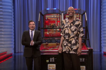 Kareem Abdul Jabbar vs Jimmy Fallon Pop-A-Shot Challenge