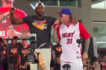 Dwyane Wade x Vanilla Ice on Stage
